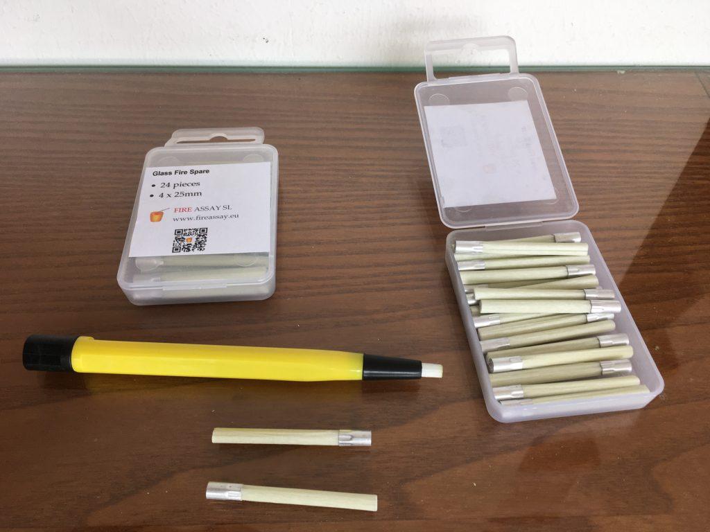 Adjustable cupel brush